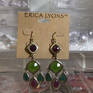 NWT Erica Lyons chandelier earrings.